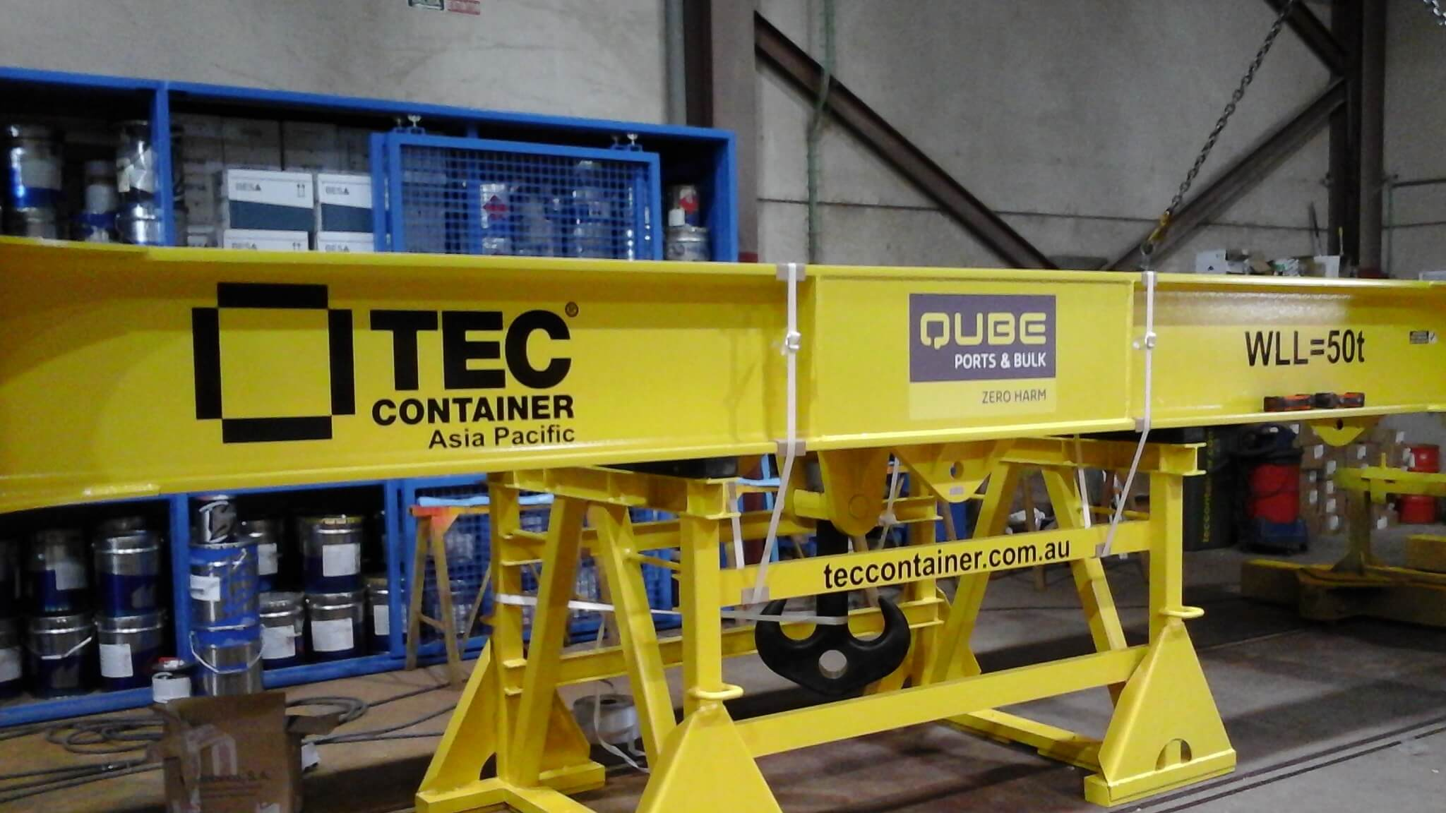 Qube Buys Reachstacker Attachment from Tec Container